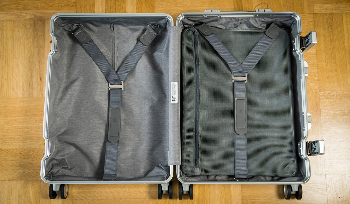 Xiaomi Aluminum Suitcase: 2 Y-shaped straps & flexible division board